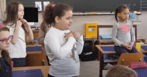 cours d'anglais en CE2 avec la méthode d'apprentissage KOKORO lingua