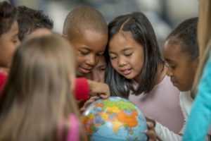 Des enfants défavorisés peuvent aussi apprendre l'anglais grâce à KOKORO Lingua